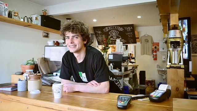 シフトの融通が利く個人経営の店のバイト