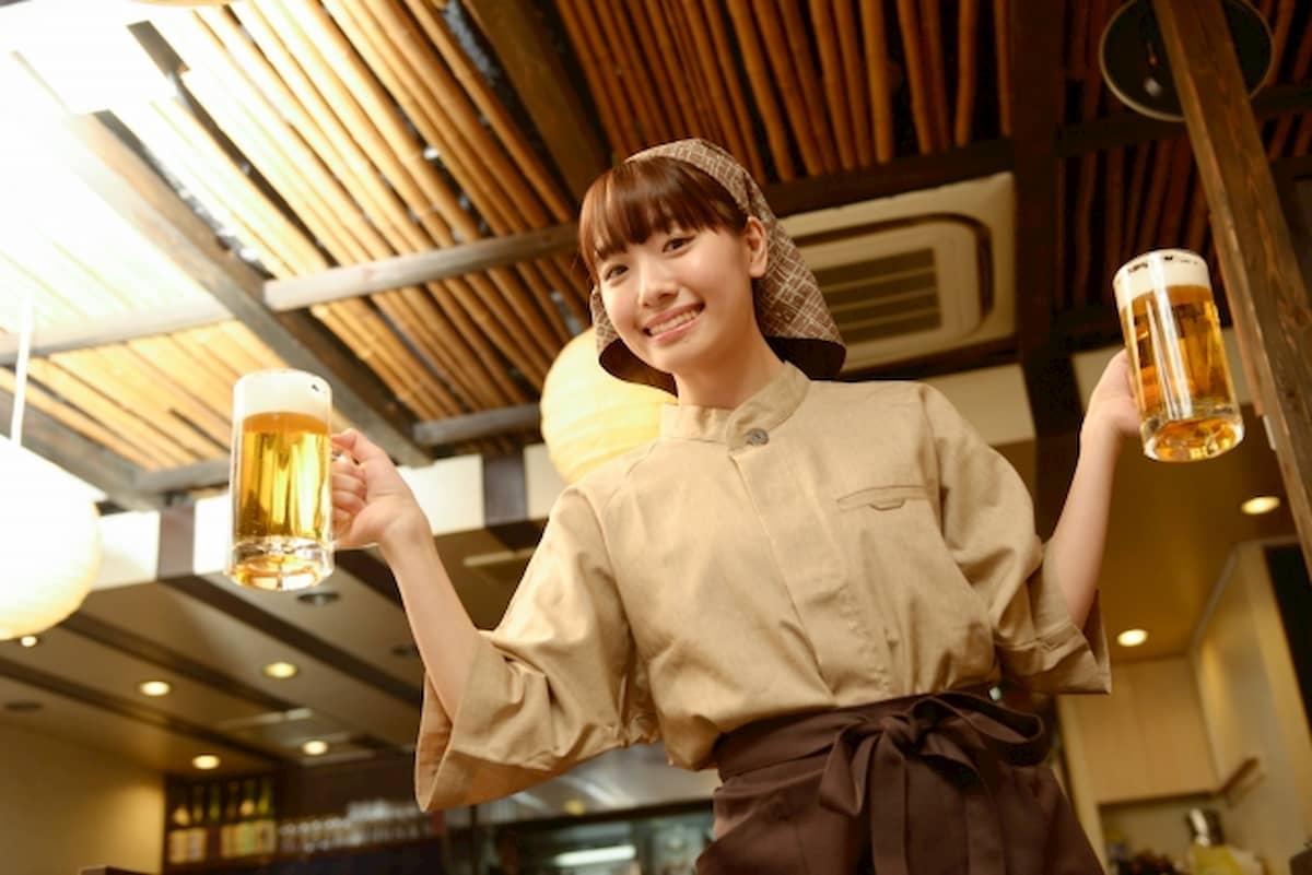 居酒屋の女性スタッフ