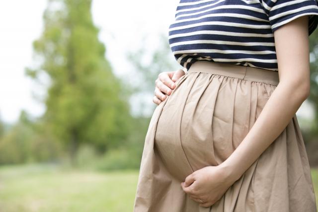 バイト先に妊娠報告をしたら辞めるよう言われた!これって違法?